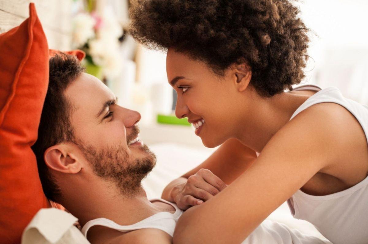 Formas de seducir a un hombre casado